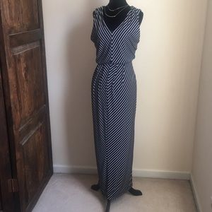 Alfani Stripped sleeveless long dress NWT sz M